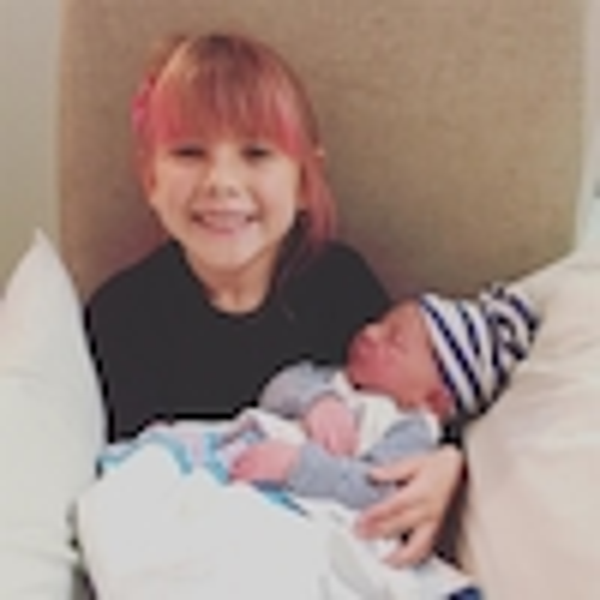 Willow Sage Hart, Jameson Moon Hart, Instagram