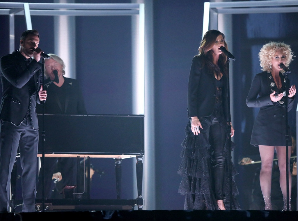 Jimi Westbrook, Philip Sweet, Karen Fairchild, Kimberly Schlapman, Little Big Town, 2016 Grammy Awards, Show