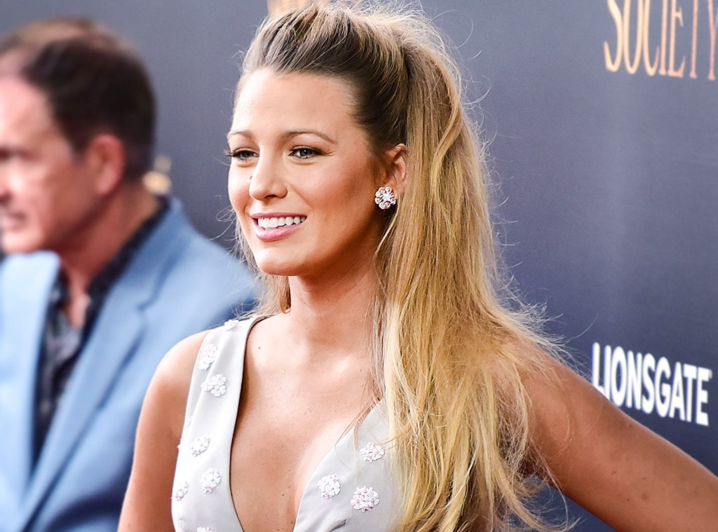 Youre doing it wrong how to do the half up ponytail the it girl esc blake lively half up urmus Choice Image