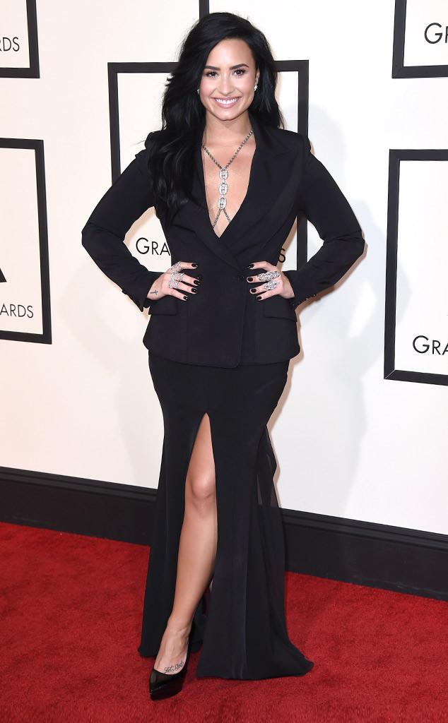 Demi Lovato, 2016 Grammy Awards