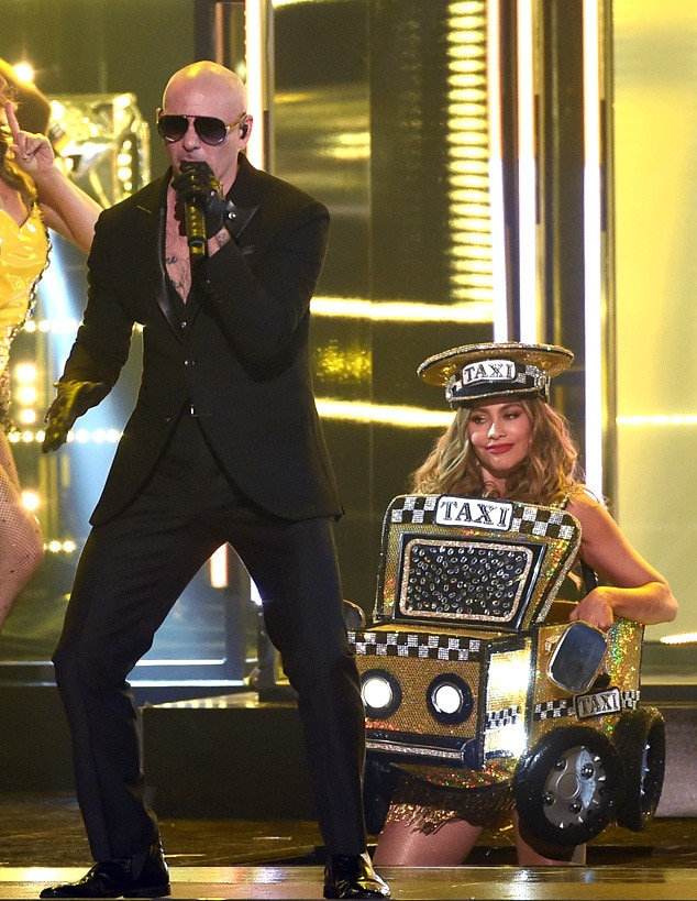 Pitbull, Sofia Vergara, 2016 Grammy Awards, Show