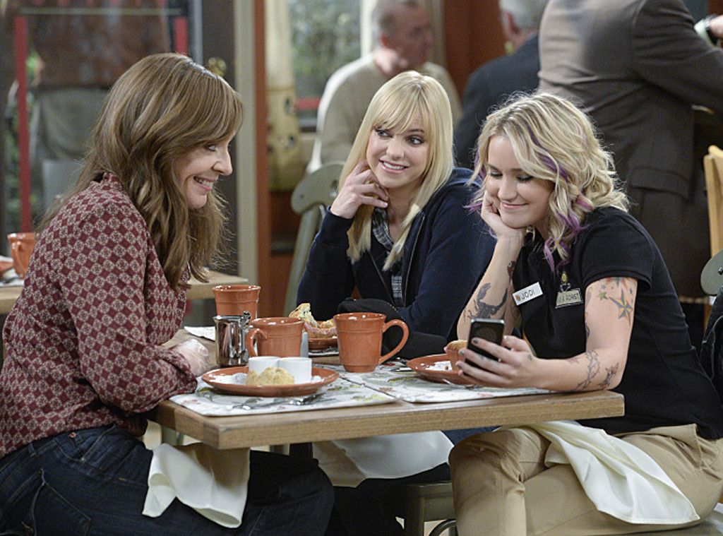 Allison Janney, Anna Faris, Emily Osment, Mom