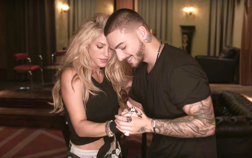 Shakira Maluma Chantaje Music Video