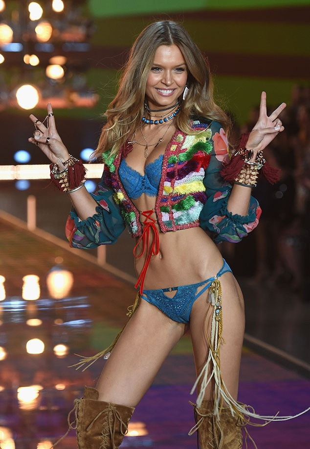Josephine Skriver, Victoria's Secret Fashion Show 2015