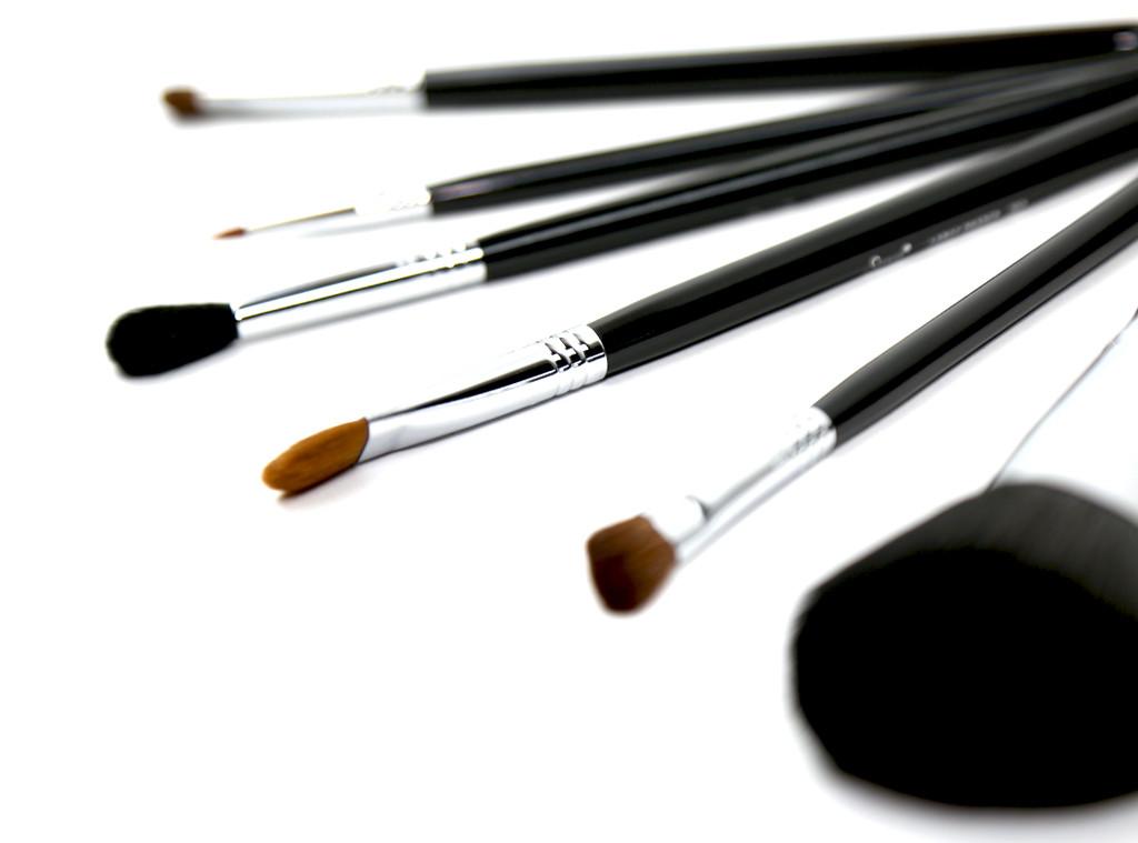 ESC: Makeup Brushes
