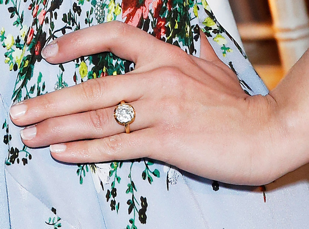 Dianna Agron, Engagement Ring
