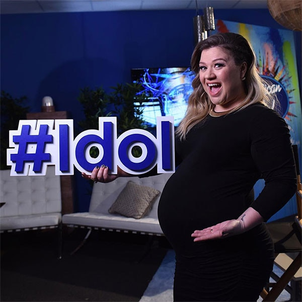 Kelly Clarkson, Pregnancy, Baby Bump, Instagram