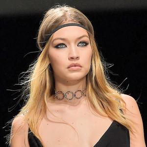Gigi Hadid, Wardrobe Malfunction, Milan Fashion Week