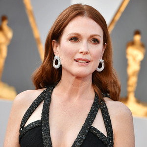 Julianne Moore, 2016 Oscars, Academy Awards, Accessories