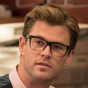 Chris Hemsworth Glasses Ghostbusters