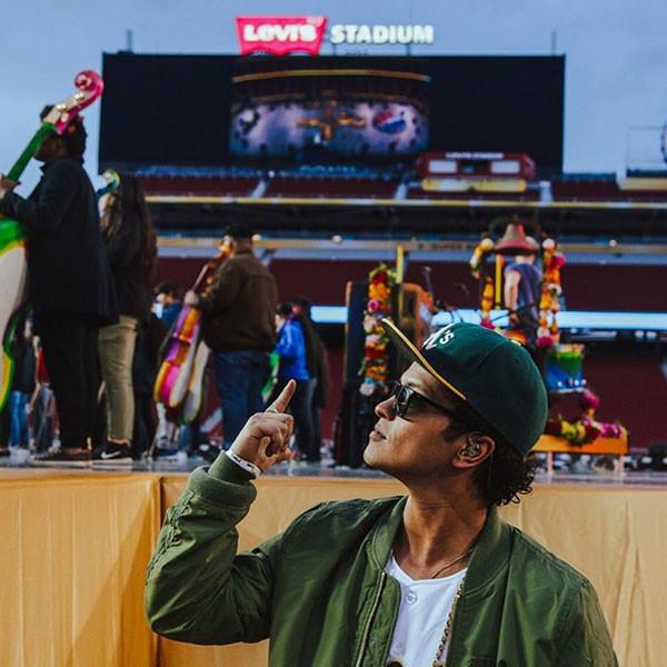 Bruno Mars, Super Bowl, Instagram
