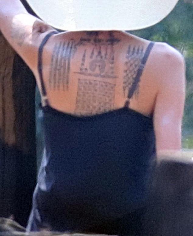 Angelina Jolie, Tattoo