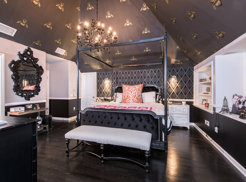 Ashley Benson, Home, Bedroom