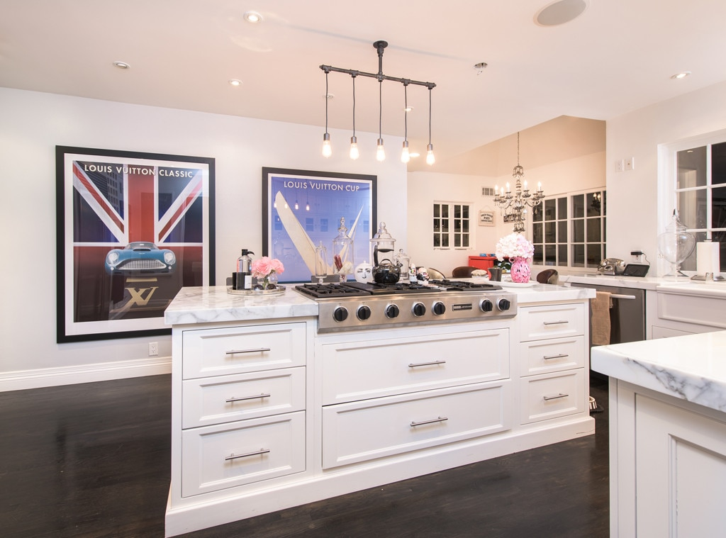 Ashley Benson, Home, Kitchen