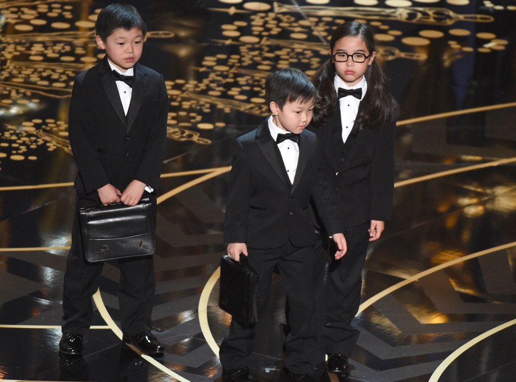 Children represent accountants from PricewaterhouseCoopers, 2016 Oscars
