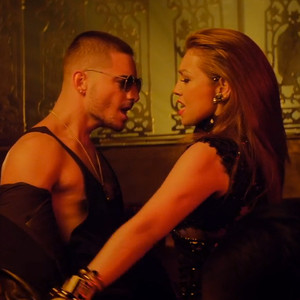 Thalía, Thalia, Desde Esa Noche Music Video