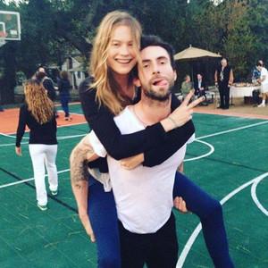Instagram, Adam Levine, Behati Prinsloo