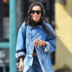 ESC: Bootcut Jeans, Zoe Kravitz
