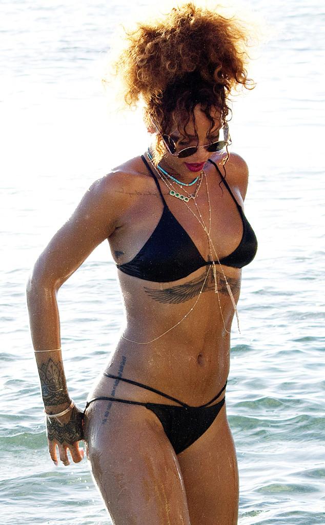 ESC: Rihanna Bikini