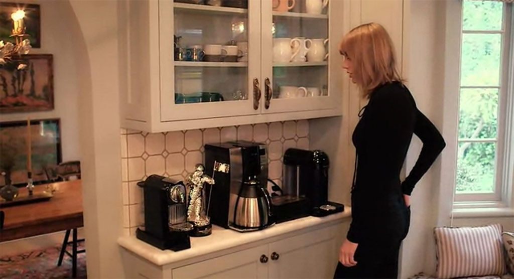 Here\'s How to Give Your Home the Taylor Swift Touch | E! News Canada