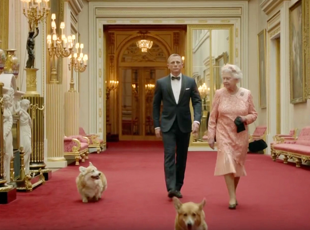 Daniel Craig Queen Elizabeth Ii Corgis