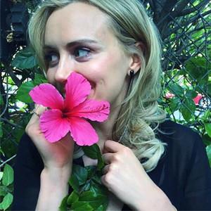 Taylor Schilling, Instagram
