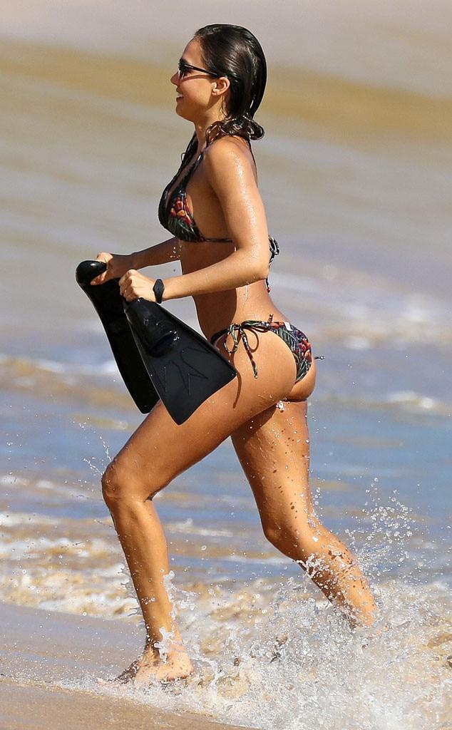 Pics Of Jessica Alba In A Bikini 105
