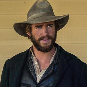 Liam Hemsworth, Woody Harrelson, The Duel