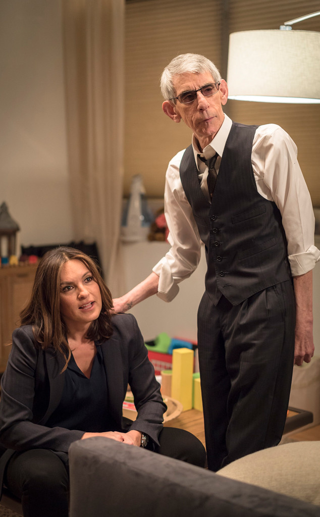Munch Returns to Law and Order: SVU—Richard Belzer Doesn't Miss a Beat   E! News