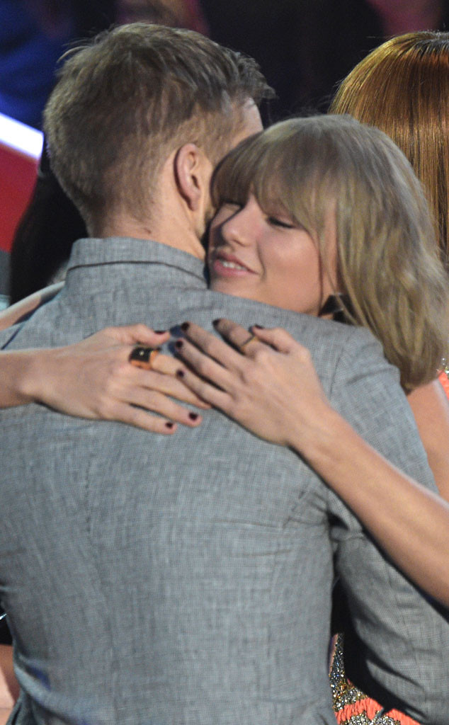 2016 iHeartRadio Music Awards, Calvin Harris, Taylor Swift