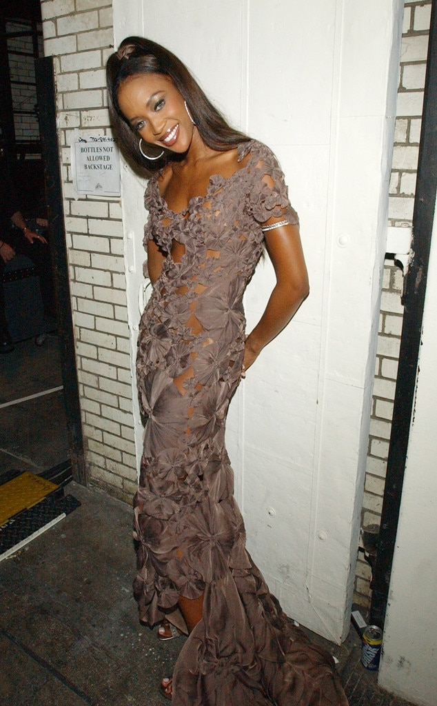 Dainty Diva From Naomi Campbell Ageless Beauty E News