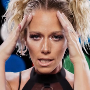 Kendra Wilkinson-Baskett, Lost in Space Music Video