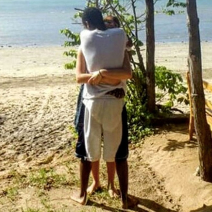 Optical Illusion Hug