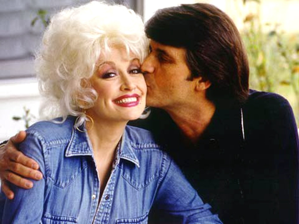 Dolly parton celebrates her 50th wedding anniversary to for What does dolly parton s husband do for a living