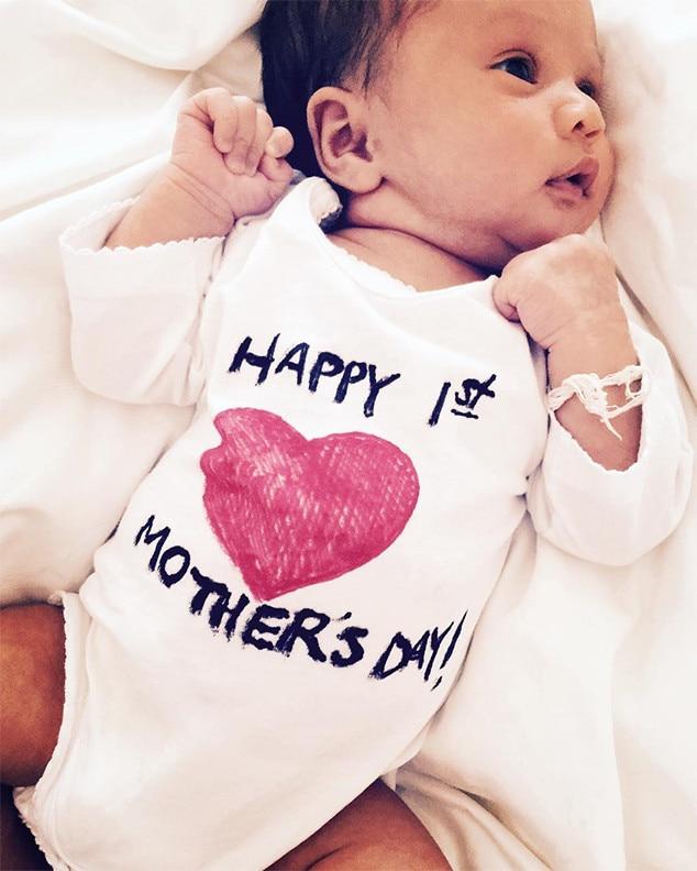 Chrissy Teigen Amp John Legend Enjoy Changing Baby Luna S