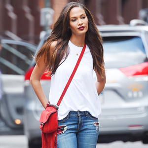ESC: Basics, Joan Smalls
