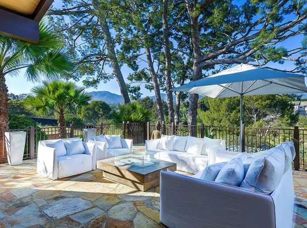 Pink, Carey Hart, Malibu Home