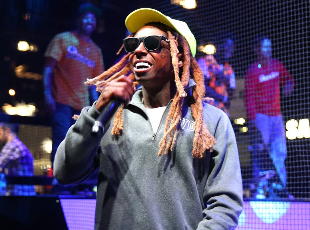 Lil Wayne Hospitalized for Seizures, Cancels Las Vegas Concert