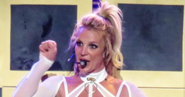 "Britney Spears Celebrates Her Final Las Vegas Show With ""Extremely Proud"" Boyfriend Sam Asghari"