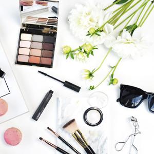 ESC: Beauty Bags Revealed