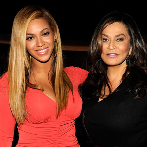 Beyonce Knowles, Tina Knowles