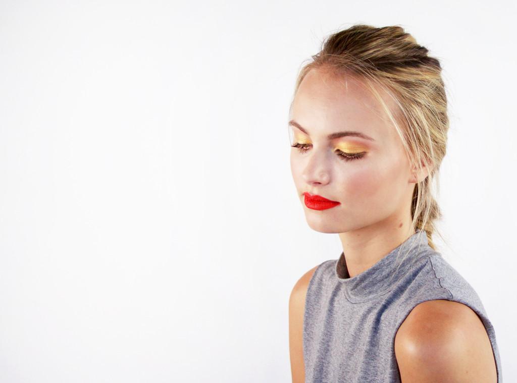 ESC: Gigi Hadid, Gold Eye Tutorial