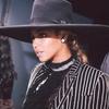 ESC: Beyonce, CFDA Awards