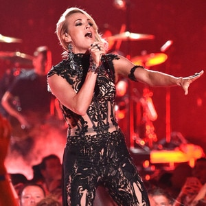 Carrie Underwood, 2016 CMT Awards
