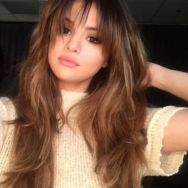 Selena gomez just revived her whole look with a fresh new hairdo selena gomez instagram voltagebd Gallery