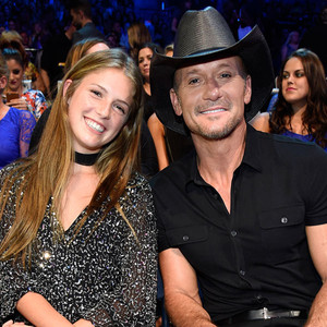 Tim mcgraw brought his teenage daughter maggie as his date for How old are faith hill s daughters