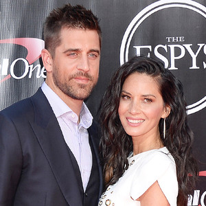 Who is aaron rodgers dating