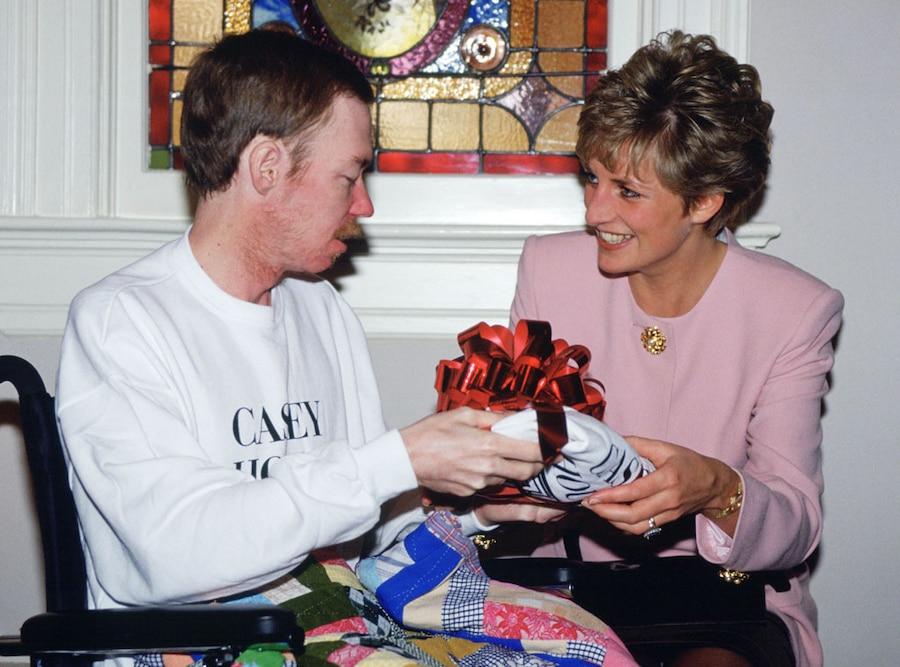 Princess Diana, Casey House, AIDS victim