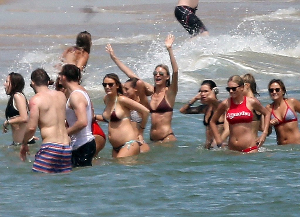 Blake Lively Shows Baby Bump in Bikini & Packs on PDA With ...