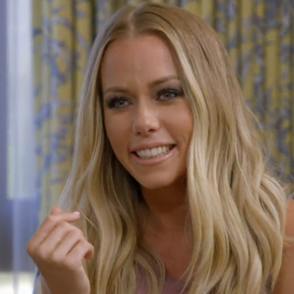 Kendra Wilkinson-Baskett, Hollywood Medium, Hollywood Medium 203